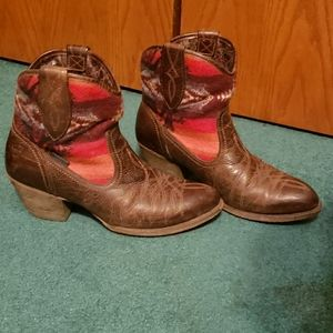 Ariat Brown southwestern Print Boots